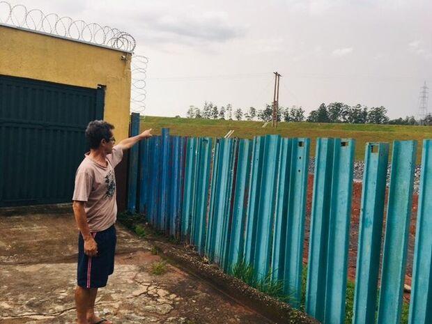 'Eu não desejo a minha casa para ninguém', diz morador que vive a 50 metros de barragens