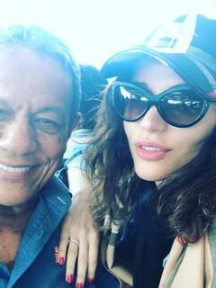 Ex-BBB Maria Melilo rebate críticas por namorar homem 40 anos mais velho