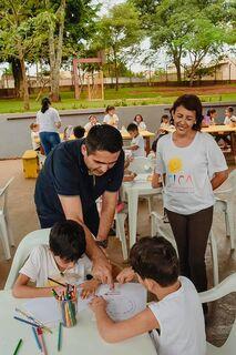 Herculano entrega emenda parlamentar ao Centro de Integrações da Criança e do Adolescente