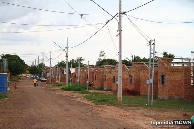 'Seu Barriga' está lucrando: 42 mil famílias ainda sonham com casa própria em Campo Grande