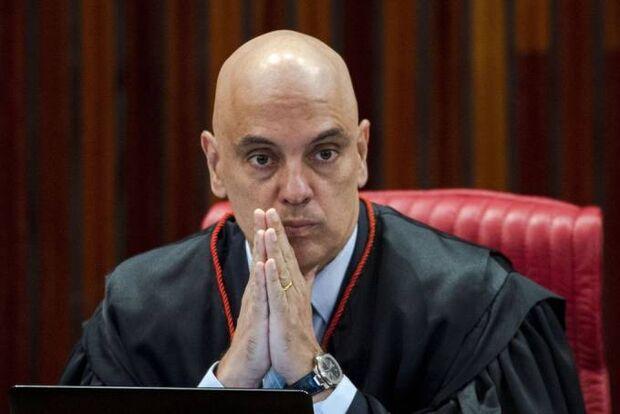 Alexandre Moraes ignora pedido da PGR e mantém apuração de 'fake news' contra o STF