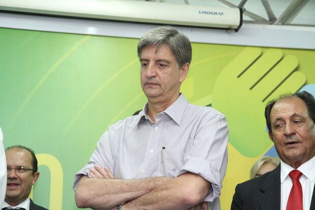 Deputado de MS acusa Bolsonaro de 'negociata' política e barganha de dinheiro por voto