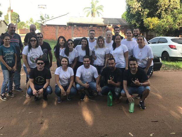 Grupo 'DoaCg' entrega mais de 400 ovos de Páscoa para crianças carentes de Campo Grande