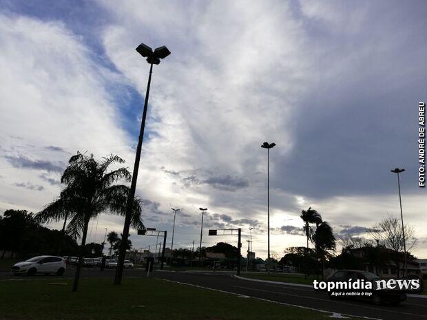 Domingo deve ter chuva fraca na Capital, mas tempestade pode atingir interior