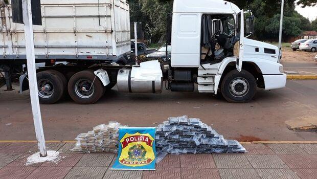 PF descobre carregamento de 158 kg de pasta base e cocaína pura na BR-463