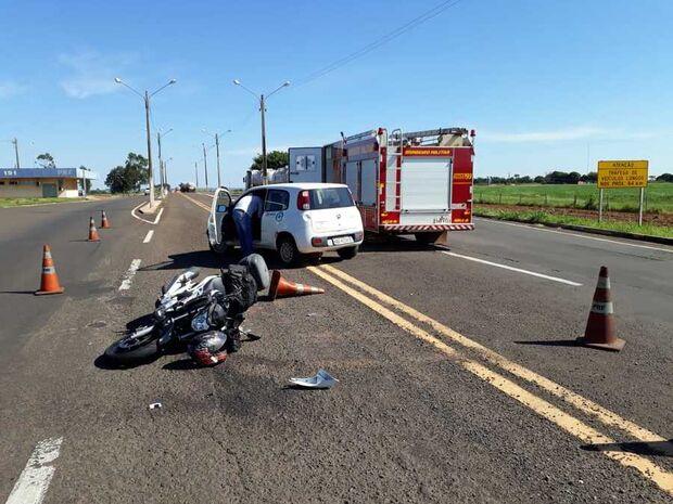 Motociclista fica ferido após bater moto em carro na MS-267