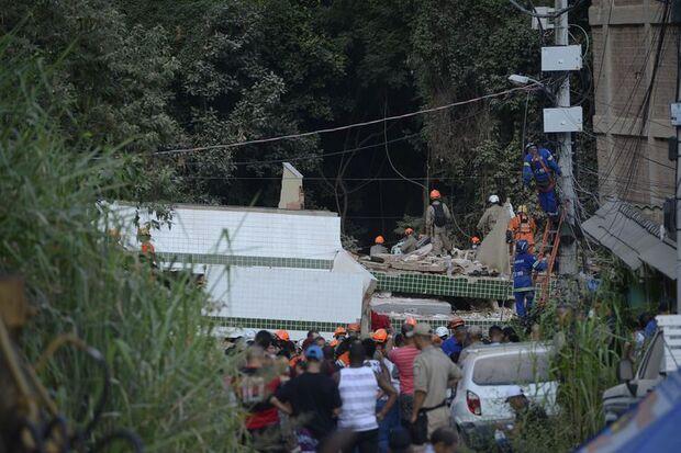 Já são nove o número de mortos em desabamento de prédios no Rio de Janeiro