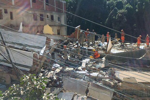 Desabamento no Rio deixou pelo menos dois mortos e cinco feridos