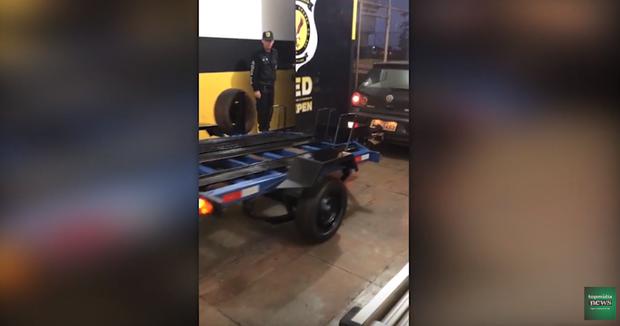 VÍDEO: chefe em penitenciária, servidor usa presos para consertar próprio veículo
