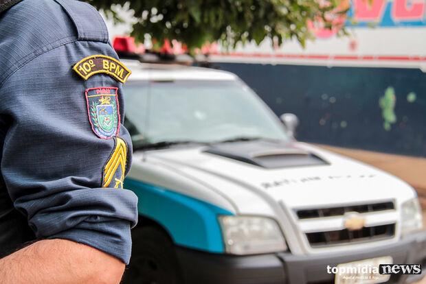 Homem acusado de agredir idosa 'rasga' boca de policial e acaba preso