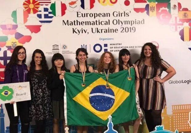 Brasileira de 17 anos é ouro em Olimpíada Europeia de Matemática