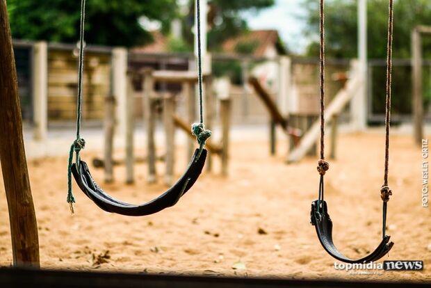 Jovem mutila e mata irmão de 5 anos