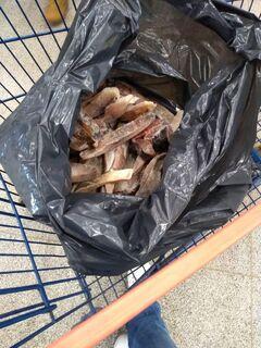 Procon Campo Grande 'baixa' em 32 mercados e flagra pescado vencido