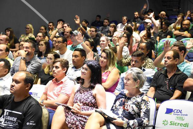 Capacitação profissional do varejo reúne 400 pessoas em evento
