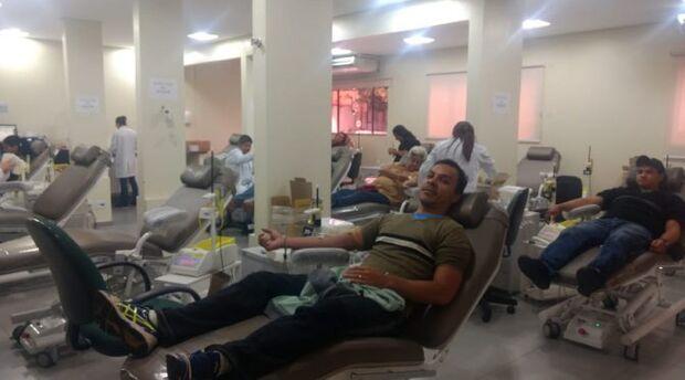 Herói pede ajuda: cabo dos bombeiros apela por doações de sangue para filha com dengue hemorrágica