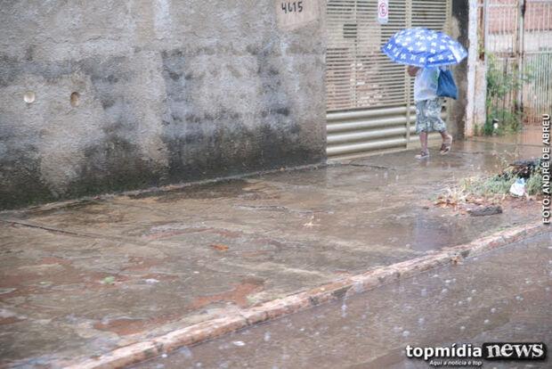 Cidade Morena acorda com chuva fraca nesta terça-feira