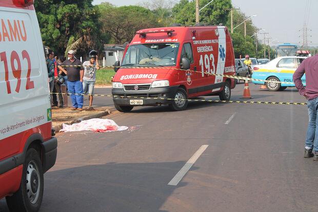 Homem morre após ser atropelado por Fiorino na BR 163