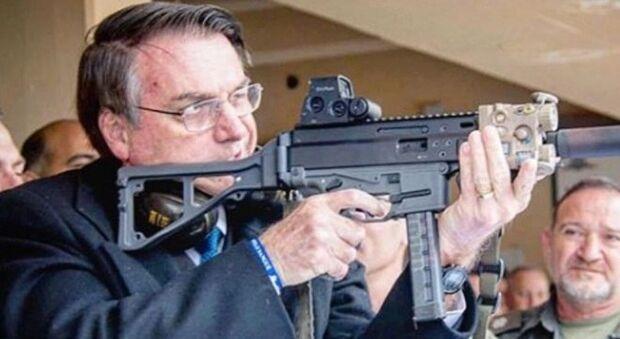 Bolsonaro elogia policiais da Rota que mataram 11 bandidos