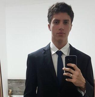 Filho de PM fuzilado: amigos usam as redes sociais para lamentar morte de jovem
