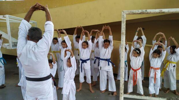 Atletas de Karatê do Rede Solidária são destaque em competição na Capital