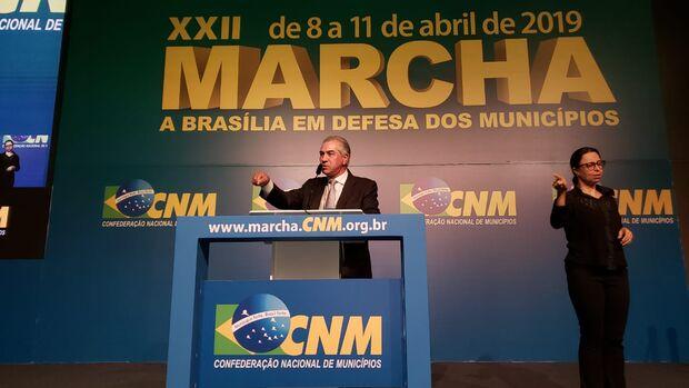 Sem pacto federativo economia brasileira afunda ainda mais, afirma Reinaldo Azambuja