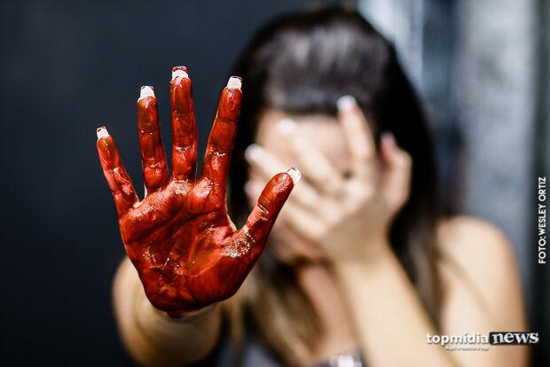 Projeto impede condenados por violência doméstica de trabalhar no serviço público