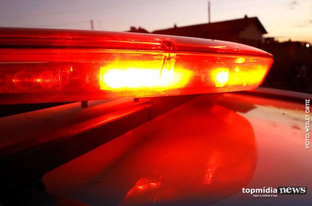 Jovem é flagrado empinando moto, foge, é baleado e vai preso em Campo Grande