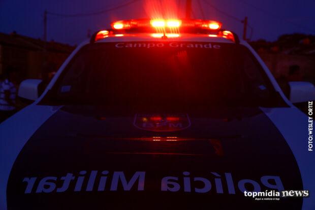 Após briga por comércio, homem leva coronhada e escapa de tiro na Vila Alba
