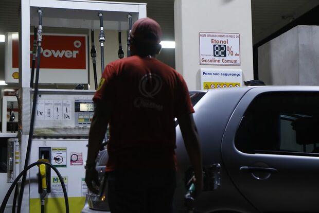 Bandidos armados assaltam mais dois postos de combustíveis em cidade do MS