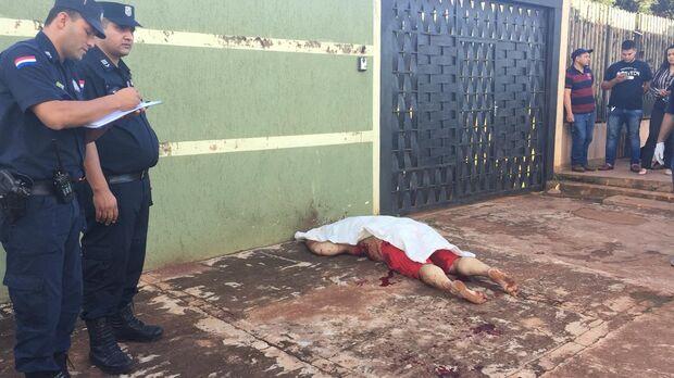 Homem é executado por pistoleiros ao sair de motel com 'amiga' na fronteira