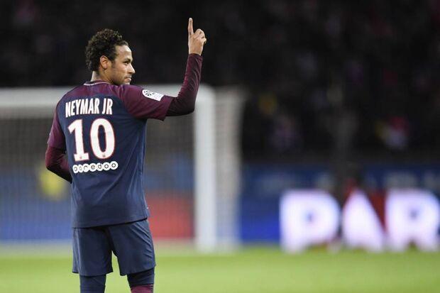 'Ninguém tem sangue de barata', diz Neymar após agressão