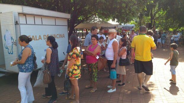Trailer na Praça Ary Coelho vacina contra a gripe até o próximo sábado