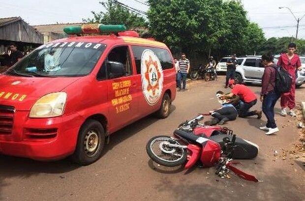 Após bater em veículo de estudante de medicina, motociclista morre em hospital
