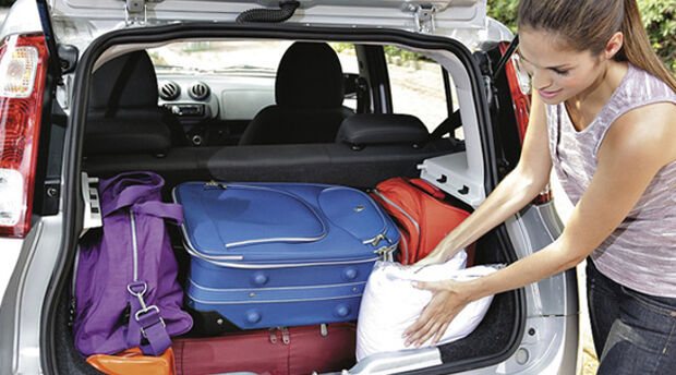 Especialistas do Detran alertam sobre bagagem solta no carro durante viagem