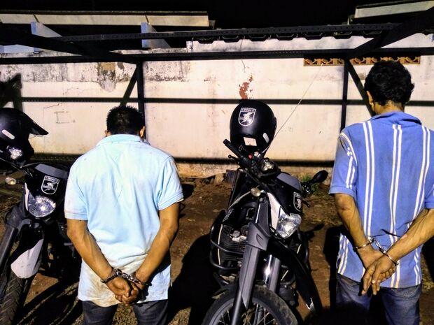 Trio que roubou, fugiu da polícia e atropelou casal segue atrás das grades