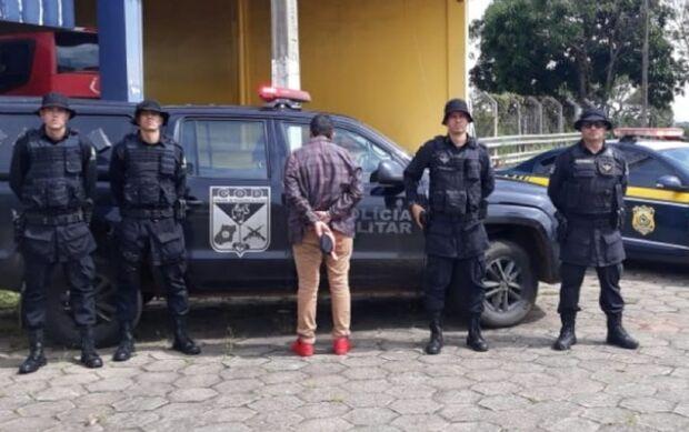 """Eita Deus"": pastor foragido da Justiça por tráfico, roubo e estelionato é preso na BR-060"