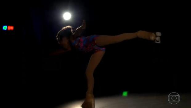 Menina transgênero luta por direito de participar de competições de patinação femininas