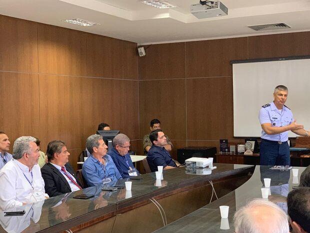 Nelsinho visita base de Alcântara e reivindica tecnologia para melhorar sinal de internet e telefone