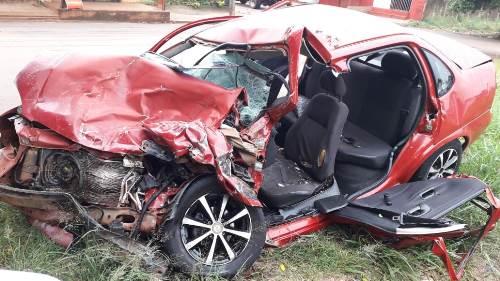 Eletricista morre após bater carro em caminhonete na fronteira de MS