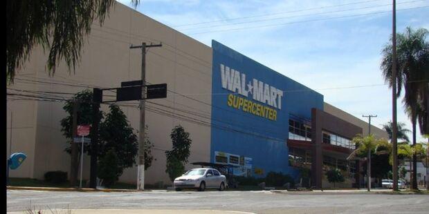 Procon Estadual autua Walmart por ter número insuficiente de caixas