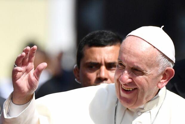 "Papa Francisco envia carta a Lula e lamenta ""duras provas"" que o ex-presidente passou"