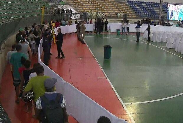 Corpo do cantor Gabriel Diniz é velado em João Pessoa