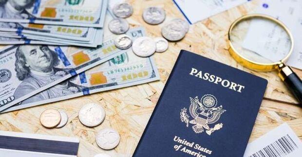 Tchau, Disney: dólar turismo supera R$ 4,30 e fecha no maior valor em oito meses