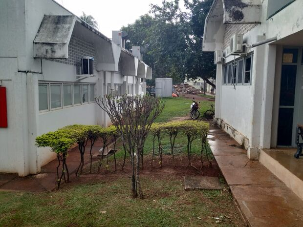 'Tímida': chuva chega 'mansa' e refresca início da tarde desta terça-feira em Campo Grande