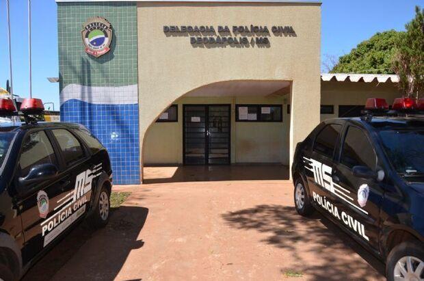 Homem é encontrado morto em residência e polícia investiga o caso