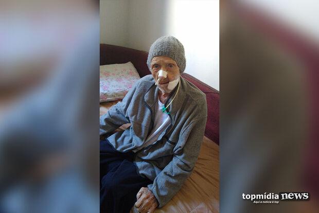 Após reportagem, idoso consegue tratamento para grave câncer em Campo Grande