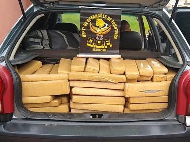 DOF prende traficante com veículo carregado com 345 kg de maconha