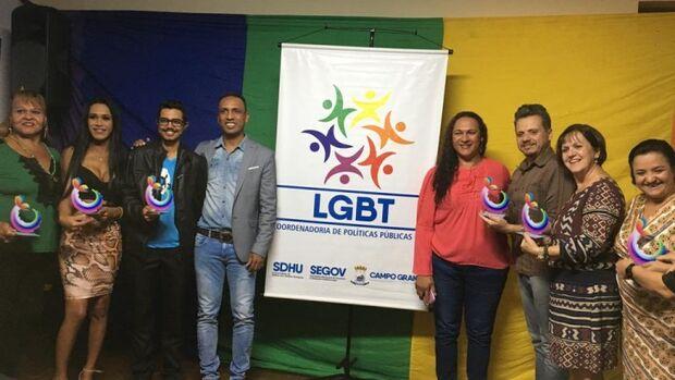 Prefeitura homenageia ativistas pelos direitos humanos e LGBT em campo grande