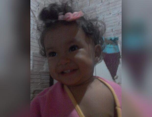 Morte de bebê que caiu em buraco gera corrente de mensagens solidárias à família