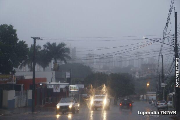 Previsão de chuva e baixas temperaturas nesta quarta-feira na Capital